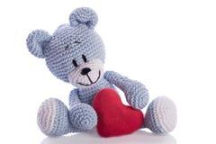 ours-de-nounours-avec-le-coeur-rouge-32294403