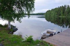 Paesaggio svedese tipico del lago Fotografia Stock