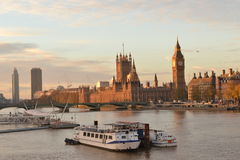 Parlament för hus för London flodThemsen Arkivfoton