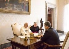 Petro Poroshenko und Papst Francis Lizenzfreies Stockfoto