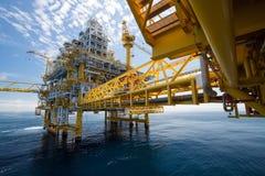 Piattaforma del gas e del petrolio dentro al largo Immagini Stock Libere da Diritti