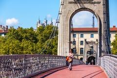 Ponte di Old Passerelle du College sopra il fiume Rodano a Lione, franco Fotografia Stock Libera da Diritti