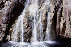 Primer de una cascada Imagen de archivo libre de regalías