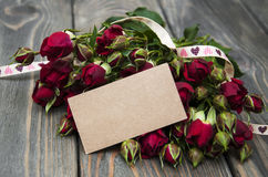 Red roses  and greeting card Stock Photography