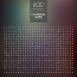 Reeks van 600 universele moderne dunne lijnpictogrammen voor Web en mobiel Stock Afbeeldingen