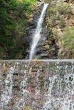 Reguera de la cascada Fotografía de archivo libre de regalías