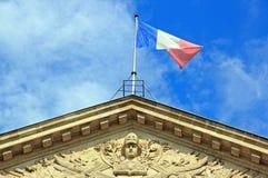 A república e a bandeira francesa (Paris França) Imagem de Stock