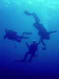 Rescue diver underwater scuba diving Stock Photography