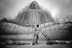 Rinnovamenti grande Buddha di B&W in tempio Tailandia Immagine Stock Libera da Diritti