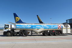 Ryanair aircraft Boeing 737-800 and tanker Royalty Free Stock Photography