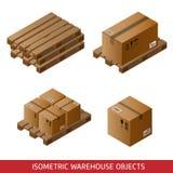 Satz isometrische Pappschachteln und Paletten lokalisiert auf Weiß Stockbilder
