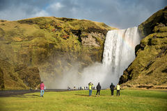 Skogafoss, cascada hermosa en Islandia Imagenes de archivo