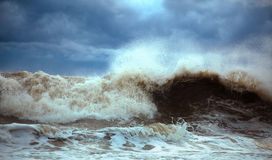 Stormy waves Royalty Free Stock Images