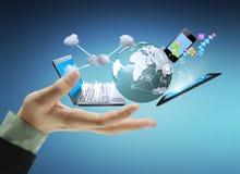 Technologie in den Händen Lizenzfreie Stockbilder