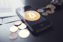 Tecnologia di Bitcoin con le monete Fotografia Stock Libera da Diritti
