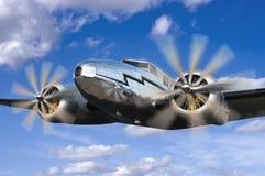 Volo classico dell'aeroplano dell'annata, aeronautica volante Fotografia Stock