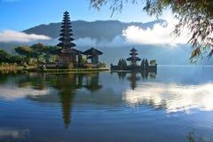 Vreedzame mening van een Meer in Bali Indonesië Royalty-vrije Stock Fotografie