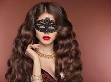 Wavy Hair. Beautiful Brunette Girl. Makeup. Red Lips. Fashion la Royalty Free Stock Photos