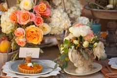 Wedding decor table setting and flowers Stock Photography