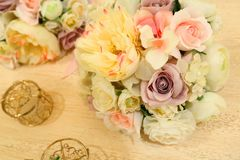 Wedding decor table setting and flowers Royalty Free Stock Photos