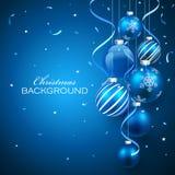 Weihnachtskugeln auf blauem Hintergrund Lizenzfreie Stockfotografie